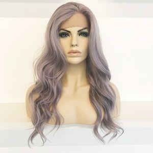 "22"" Silver Lace Front Wavy Wig | Kardashian"